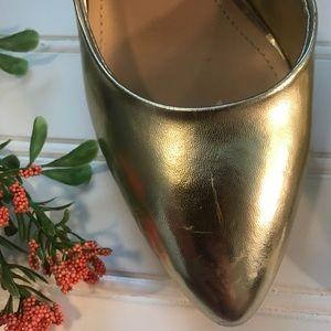 BCBG Shoes - Gold BCBG Pumps